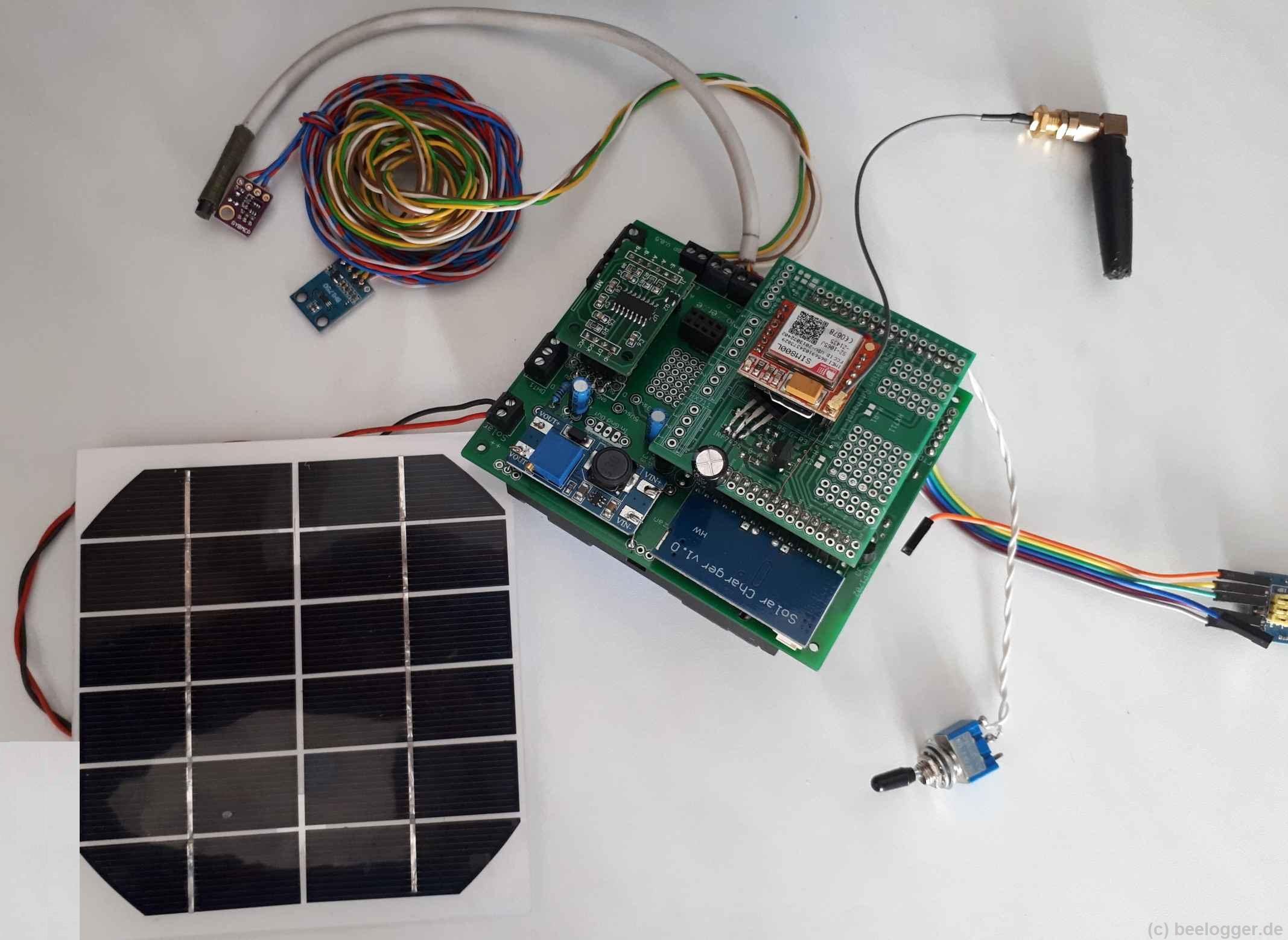 beelogger-Blue Prototyp mit GSM-Modul, DS18B20, BH1750, BMP280, HX711 und Solarzelle