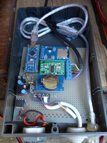 """Testaufbau """"System mit SD-Karte"""" auf Lochrasterplatine"""